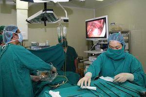 Cứu sống bệnh nhân viêm ruột thừa cấp có phủ tạng đảo ngược 100% cực hiếm gặp
