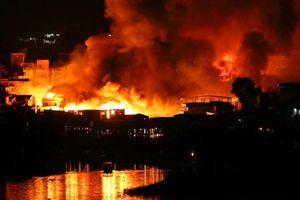 Brazil: 600 ngôi nhà tạm bằng gỗ bất ngờ bị 'bà Hỏa' thiêu rụi