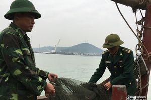 Xử phạt 4 phương tiện đánh bắt hải sản không đúng quy định