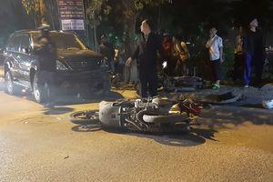 Hiện trường kinh hoàng vụ xe Lexus 'điên' đâm liên hoàn 9 ô tô và xe máy, cuốn cả người lẫn xe vào trong gầm
