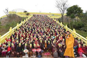 Hàng ngàn phật tử tri ân Phật hoàng Trần Nhân Tông