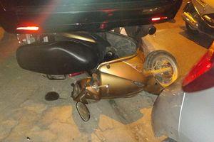 Hiện trường vụ nữ tài xế Lexus tông hàng loạt xe máy, ô tô ở Hà Nội