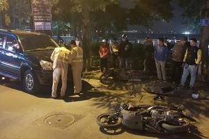 Nữ tài xế đi ô tô Lexus tông liên hoàn ở Hà Nội, nhiều người bị thương la liệt
