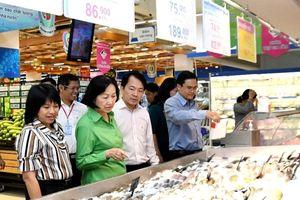 TP. Hồ Chí Minh: Đảm bảo nguồn cung và chất lượng hàng Tết