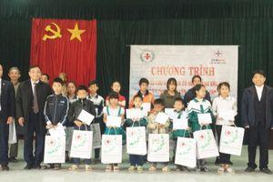 Hưng Yên: Hỗ trợ 44 học sinh có hoàn cảnh khó khăn huyện Phù Cừ