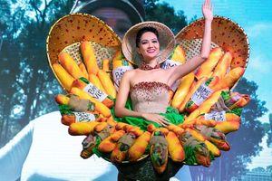 Quảng bá ẩm thực Việt nhìn từ chiếc váy 'Bánh mỳ' của Hoa hậu
