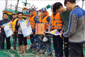 BTL Vùng Cảnh sát biển 1 cứu thành công 6 ngư dân gặp nạn trên biển