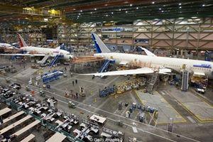 Bên trong ngôi nhà lớn nhất thế giới của Boeing