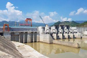Thủy điện Sông Tranh 3 xả nước, người chăn bò bị cuốn trôi