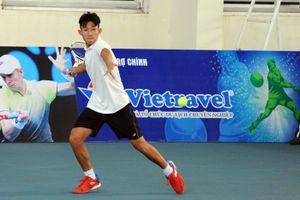 Tài năng trẻ Văn Phương gây bất ngờ lớn tại giải các tay vợt xuất sắc