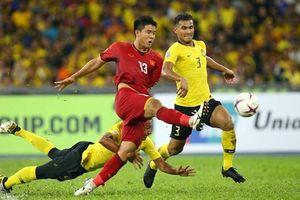 Cờ đến tay Đức Chinh ở Asian Cup 2019