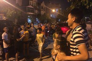 Phan Văn Đức bị 'quây' khi vào Bình Dương thăm gia đình