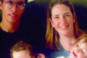 Sốc nặng phát hiện chồng có tới 3 vợ và 13 con thơ