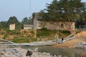 Cầu đang thi công ở Yên Bái bị sập do làm sai thiết kế