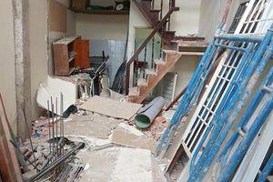 Rơi từ 2 tầng công trình, nam thanh niên bị sắt đâm xuyên người