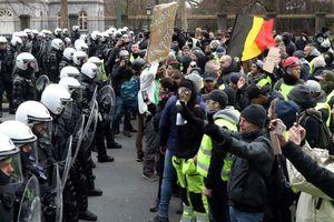 Mệt mỏi vì đối phó biểu tình, cảnh sát Pháp tuyên bố 'giảm năng suất'
