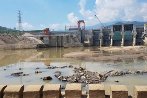Bị nước cuốn mất tích khi nhặt sắt vụn dưới chân đập thủy điện