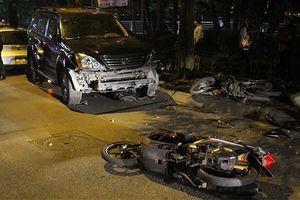 Hiện trường kinh hoàng vụ xe Lexus đâm liên hoàn ở Hà Nội