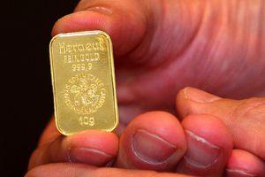 Giá vàng miếng trái chiều thế giới, giá USD tự do giảm nhẹ