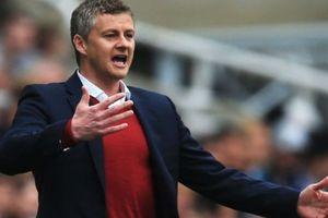 MU chính thức công bố HLV thay thế Mourinho