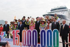 Quảng Ninh chào đón vị khách du lịch quốc tế thứ 15 triệu đến Việt Nam trên du thuyền 5 sao