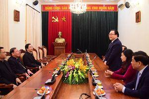 Bí thư Thành ủy Hoàng Trung Hải tiếp tân Tổng Giám mục Tổng Giáo phận Hà Nội
