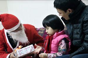 Dịch vụ ông già Noel tặng quà bắt đầu hút khách