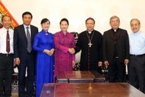 Chủ tịch QH Nguyễn Thị Kim Ngân dự Lễ đón nhận danh hiệu Anh hùng LLVTND tặng Ban Dân Y T.Ư Cục miền nam