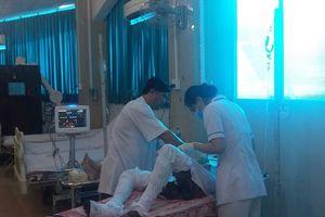 Nổ bình dầu, 3 người bị thương