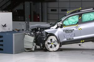 Xe Nhật, Hàn thống trị bảng xếp hạng an toàn cao nhất của tổ chức IIHS
