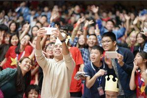 Đức Huy, Như Thành bị sinh viên bao vây trong sự kiện giao lưu tại Học Viện CN Bưu Chính Viễn Thông