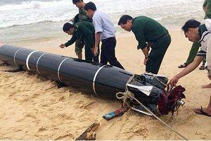 Vớt được 'vật thể lạ' có chữ Trung Quốc trên biển Phú Yên