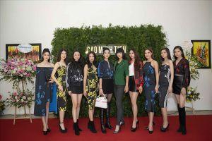 Dàn người đẹp ngỡ ngàng trước triển lãm tranh của NTK Cao Minh Tiến