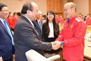 Thủ tướng Nguyễn Xuân Phúc gặp mặt khen thưởng nhà vô địch AFF Cup 2018