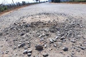 Nghệ An: Đường tiền tỷ vừa làm xong đã hư hỏng nặng