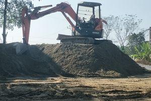 Thạch Thành (Thanh Hóa): Ai 'bảo kê' cho bãi tập kết cát trái phép, gây ô nhiễm môi trường?