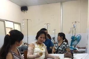 Hà Nam: Rơi nước mắt nhìn 2 vợ chồng nghèo bị b.ỏng nặng không tiền chữa trị, con nhỏ bơ vơ nhờ hàng xóng trông nom