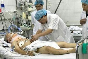 Bệnh viện Việt Đức cấp cứu thành công nhiều bệnh nhân trong vụ tai nạn thảm khốc