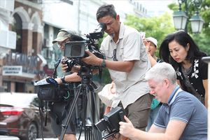 Kênh Discovery gây chú ý khi ra mắt phim tài liệu Việt Nam
