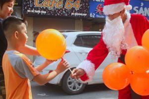 'Ông già Noel' đắt sô, công ty kinh doanh hốt bạc