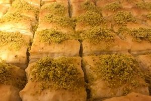 Chiếc bánh truyền thống đón Giáng sinh lớn kỷ lục tại Bosnia và Herzegovina