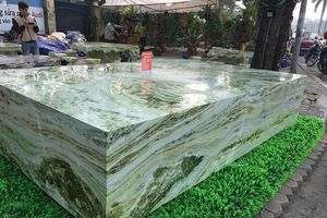 Nhà điêu khắc gỗ đá và câu chuyện tìm được khối đá ngọc giá 2,6 tỷ đồng