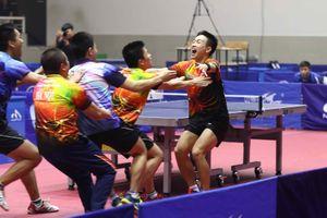 Tay vợt Nguyễn Anh Tú, Lê Tiến Đạt góp mặt ở nội dung đơn nam chuyên nghiệp vào phút chót