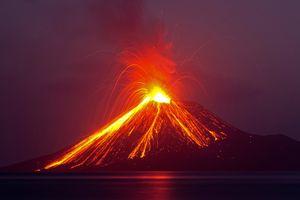 Sóng thần do núi lửa tại Indonesia khiến nhiều người thiệt mạng