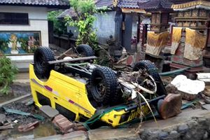 Cảnh tượng tang thương sau thảm họa sóng thần Indonesia