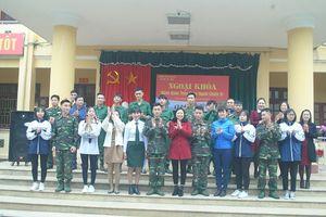Học sinh Tuyên Quang 'hành quân theo chân người chiến sĩ'