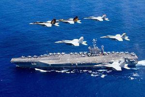 Gần 30 tàu cao tốc Iran bao bây, bắn rocket về phía tàu sân bay Mỹ trên vịnh Ba Tư