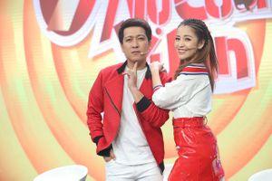 Puka bất ngờ 'cưỡng hôn' Hari Won tại 7 Nụ Cười Xuân