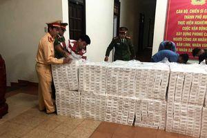 CSGT Thừa Thiên Huế phát hiện và bắt giữ 1.500 cây thuốc lá lậu