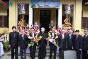 PTT Thường trực Trương Hòa Bình thăm, chúc mừng Giáng sinh tại Huế